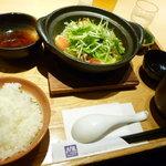 大戸屋 - 料理写真: 四元豚とたっぷり野菜の蒸し鍋定食