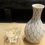 丸伊 - 鶴齢(特別本醸造):510円