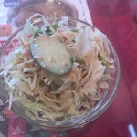 ゴルカキッチン  - ランチセットのミニサラダ。