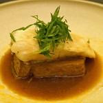O2 - 天草産鯛の香り蒸しとピリ辛豆腐