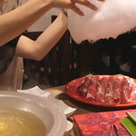 しゃぶしゃぶ 焼肉食べ放題 めり乃 - 料理写真:綿あめ溶かす瞬間2