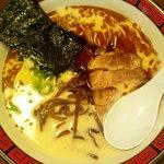 らーめん 豚骨黒王 - 黒豚骨らぁめん(700円)