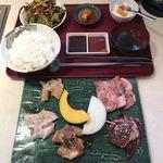 焼肉 椿山 - 料理写真:焼肉ランチB2180円