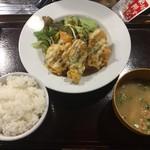 串カツ 博多空気椅子酒場 - チキン南蛮定食