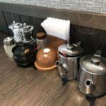 飛騨牛焼肉・韓国料理 丸明 - 卓上の調味料