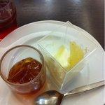 有楽町スウィーツコーナー - 紅茶のジュレとパンナコッタ
