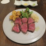 炭火焼赤身肉とクラフトビール ヴァベーネ - あか牛のシンタマ ステーキ