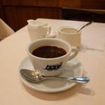 ジリオ - コーヒー(320円)