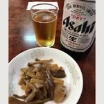 93305354 - 瓶ビール& お通しのメンマ