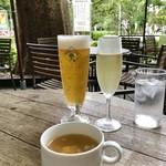 Cafe Shakey's - 生ビール&スパークリングワイン&ピッツァランチのカップスープ