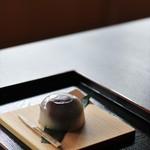 上杉伯爵邸 - お抹茶セットの水まんじゅう
