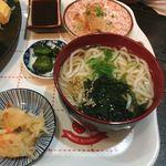 入船 - ミニ細うどんや小鉢(豆腐)や漬物付き♡