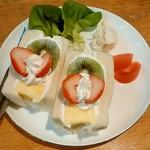 喫茶メレンゲ - 料理写真:喫茶メレンゲ@北見 フルーツサンドイッチ(540円)