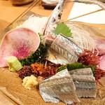 93310899 - 秋刀魚の造り