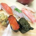93311992 - 秋鮭(宗生)、ほっけ、ずわいがに、ウニ、イクラ、天然もずく