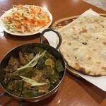 パキスタン レストラン - 料理写真:ビンディゴーシュ、ロティ