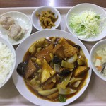 中華大千居 - 揚げ豆腐と肉野菜煮セット