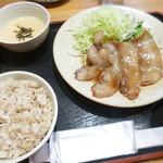 93319702 - 黒豚バラ生姜焼き定食