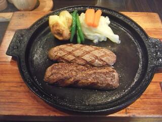 グリルK - 炭火焼俵型ハンバーグ(クイーンサイズ)