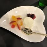 黄金の塩らぁ麺 ドゥエイタリアン - パンナコッタ