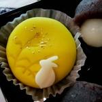 松楽菓子司 - 月にウサギ