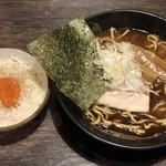 節骨麺 たいぞう - 節骨らーめん+卵黄漬け飯 ¥800