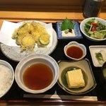 広瀬 - 天ぷら定食 1000円。安定の美味しさっ!