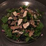 ペタンク - 砂肝とパクチー、ブルーチーズのサラダ1000円