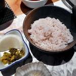 熊襲亭 - 季節ご飯(赤米ご飯)& 香の物
