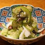 高太郎 - 白瓜と槍烏賊の塩昆布和え