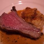 リラダン - 料理写真:仔羊背肉のグリル バジリコソース