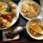 七福ラーメン - 料理写真:あんかけやきそば+半チャーハン1100円