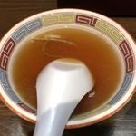 宝華らーめん - 油そばに付いてくるスープ