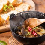 A5黒毛和牛のお店 和牛創作肉バル BALCONIWA - 【鉄鍋〝和ヒージョ〟】和風だしを使ったJAPANESEアヒージョ。