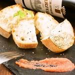A5黒毛和牛のお店 和牛創作肉バル BALCONIWA - トマト和牛スジ煮込み、和ヒージョに添えてオシャレなディナーを。