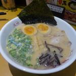 筑豊ラーメン山小屋 - 昭和(むかし)ラーメン950円