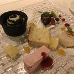 ローザロッチェ -  デザート盛り合わせ