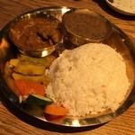 ネパール民族料理 カスタマンダップ - ダルバート