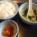 9337541 - ランチ ご飯、スープ、キムチ