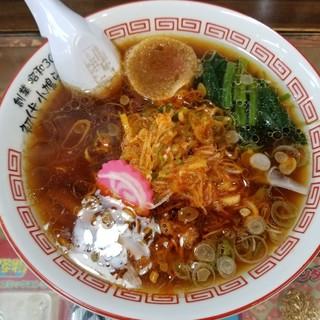 醤油屋本店 - 料理写真:小鳩ラーメン(半麺) 576円 + 辛ねぎ 108円