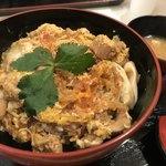 鶏丼や 博多華味鳥 - 料理写真:親子丼 790円