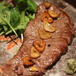 六角 - 料理写真:山口県産牛の(A4)ランプステーキ
