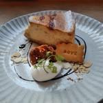 MOVE CAFE - [料理] キャラメルバナナのNYチーズケーキ プレート全景♪w