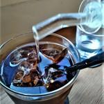 MOVE CAFE - [ドリンク] 水出しIce珈琲 アップ♪w ② (ガムシロを投入w)