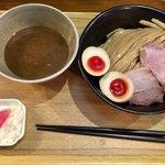 93378847 - 「濃厚味玉つけ麺」950円+「大盛」無料