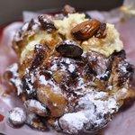 ワゴロー - 料理写真:キャラメルトップのシュークリーム 220円