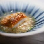 93380534 - 甘鯛鱗焼き 松茸の蟹のスープ