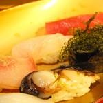 すし太郎 - 石垣島近海魚特上10カン