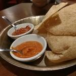 Asian Dining & Bar SAPANA - えびせんとチャパティ。