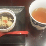 さんるーむ - わらびもちぜんざいと五穀茶